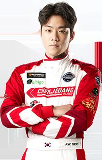 Coach / Driver Eui-Su Kim