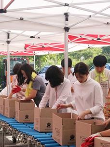CJ CheilJedang holds 2016 Hope Sharing Gift Set Assembling Activity