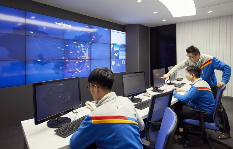 Staff at the monitoring room of TES Innovation Center China at the CJ Rokin headquarters in Shanghai are inspecting the state of logistics throughout China.