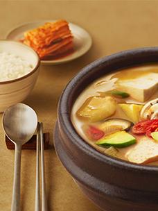 CJ CheilJedang Bibigo Korean Food HMR Series Brand