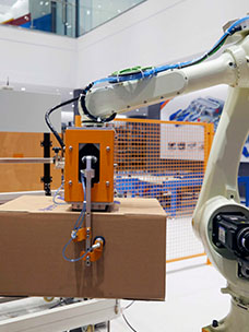 CJ Logistics to Pursue the Development of Unmanned Technologies Whereby Robots Stack Boxes, Unload Packages, etc.